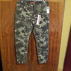 Uniobay camo jeans